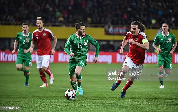 Vienna Austria 12 November 2016 Wes Hoolahan of Republic of Ireland in action during the FIFA World Cup Group D Qualifier match between Austria and...