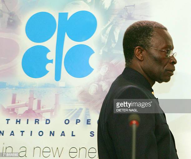 Organization of Petroleum Exporting Countries Secretary general and Nigerian Oil Minister Edmund Daukoru arrives for a press conference after the...