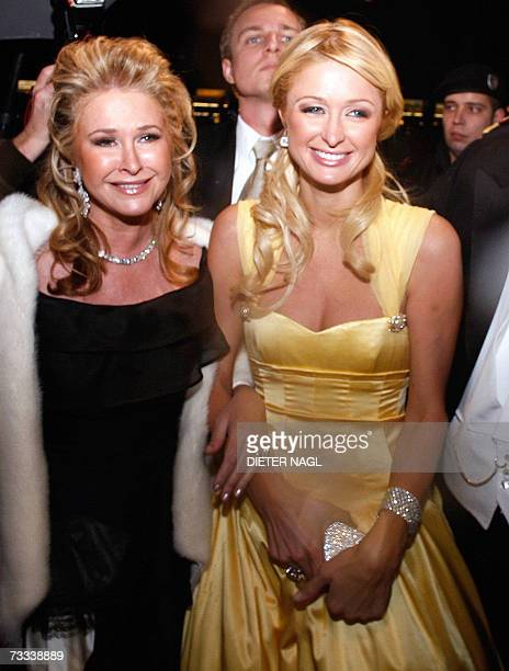 US socialite Paris Hilton and her mother Kathy arrive at Vienna's state Opera to atend Vienna's Opera Ball Austria's most prestigious high society...
