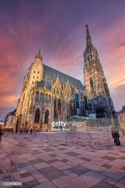 vienna austria.st. stephen's cathedral stephansdom - marco brivio stock pictures, royalty-free photos & images