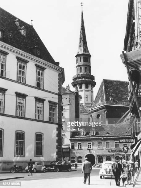 Vienna Michaeler Platz and Michaeler church
