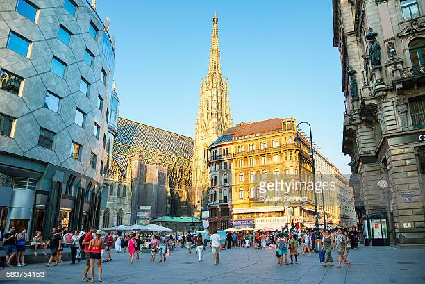 vienna, the stephansplatz - vienna austria stock pictures, royalty-free photos & images