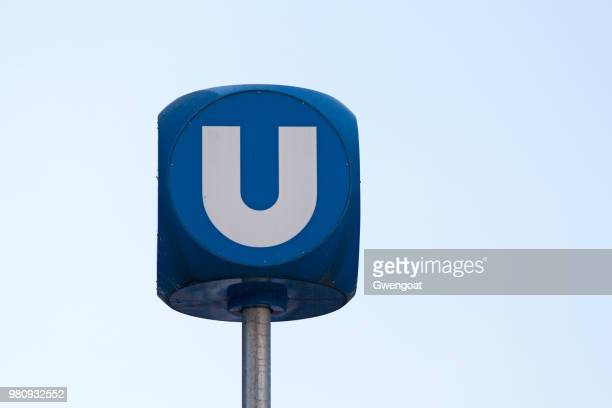 vienna u-bahn sign - underground sign stock pictures, royalty-free photos & images