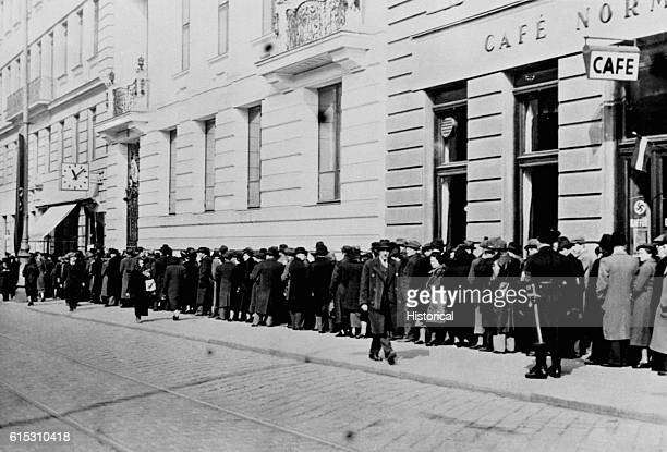 Viennese Jews line up at the Polish Consulate for exit papers March 15 1938