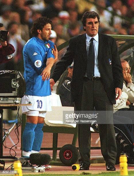 Viertelfinale Bruessel ITALIEN RUMAENIEN 20 Alessandro DEL PIERO/ITA Trainer Dino ZOFF/ITA