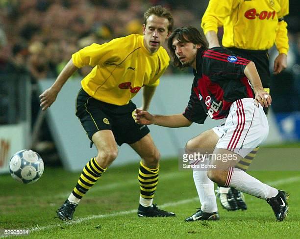 POKAL 01/02 Viertelfinale Dortmund BORUSSIA DORTMUND AC MAILAND Joerg HEINRICH/DORTMIND gegen Andras PIRLO/MAILAND