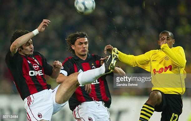 POKAL 01/02 Viertelfinale Dortmund BORUSSIA DORTMUND AC MAILAND Kakha KALADZE Paolo MALDINI/MAILAND EWERTHON/DORTMUND