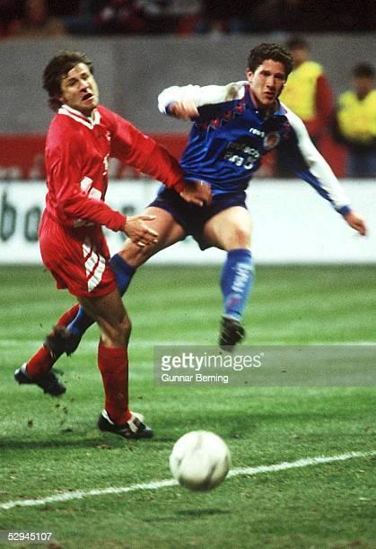Viertelfinale in Kaiserslautern KAISERSLAUTERN FC ST PAULI 42 TORCHANCE fuer Jens SCHARPING/PAULI