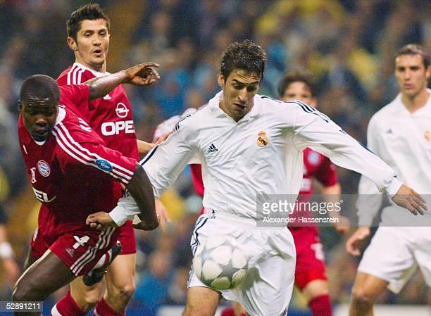 LEAGUE 01/02 Viertelfinale Madrid REAL MADRID FC BAYERN MUENCHEN 20 Samuel KUFFOUR Bixente LIZARAZU/BAYERN RAUL GONZALES/MADRID