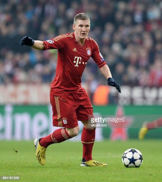ViertelfinalHinspiel Saison 2012/2013 FUSSBALL CHAMPIONS FC Bayern Muenchen Juventus Turin Bastian Schweinsteiger am Ball