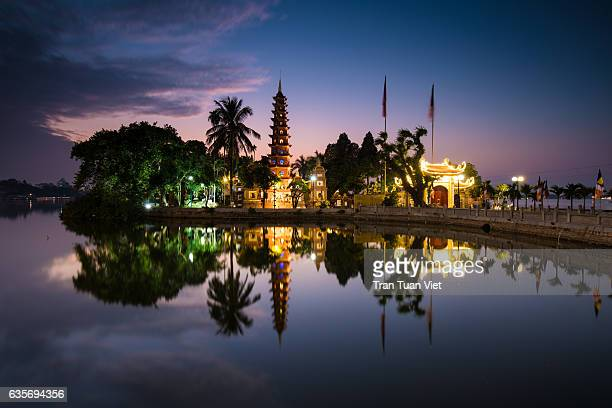 vietnam - tran quoc pagoda landscape photo - hanoi stock pictures, royalty-free photos & images