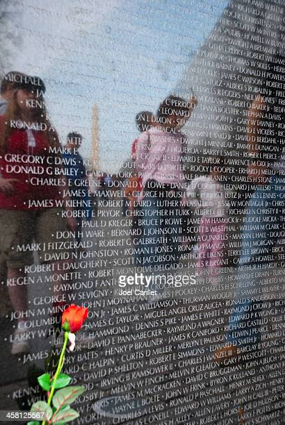 Vietnam Veterans Memorial et une rose à Washington, D.C.