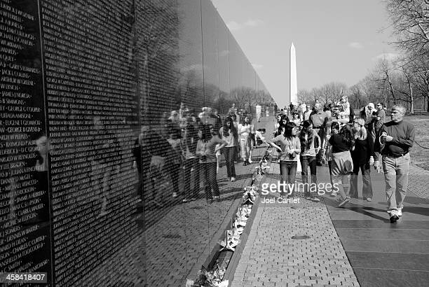 vietnam veterans memorial - vietnam veterans memorial stock photos and pictures