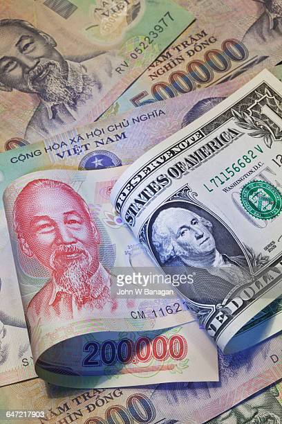 vietnamese  and us money - vietnamese culture stock pictures, royalty-free photos & images