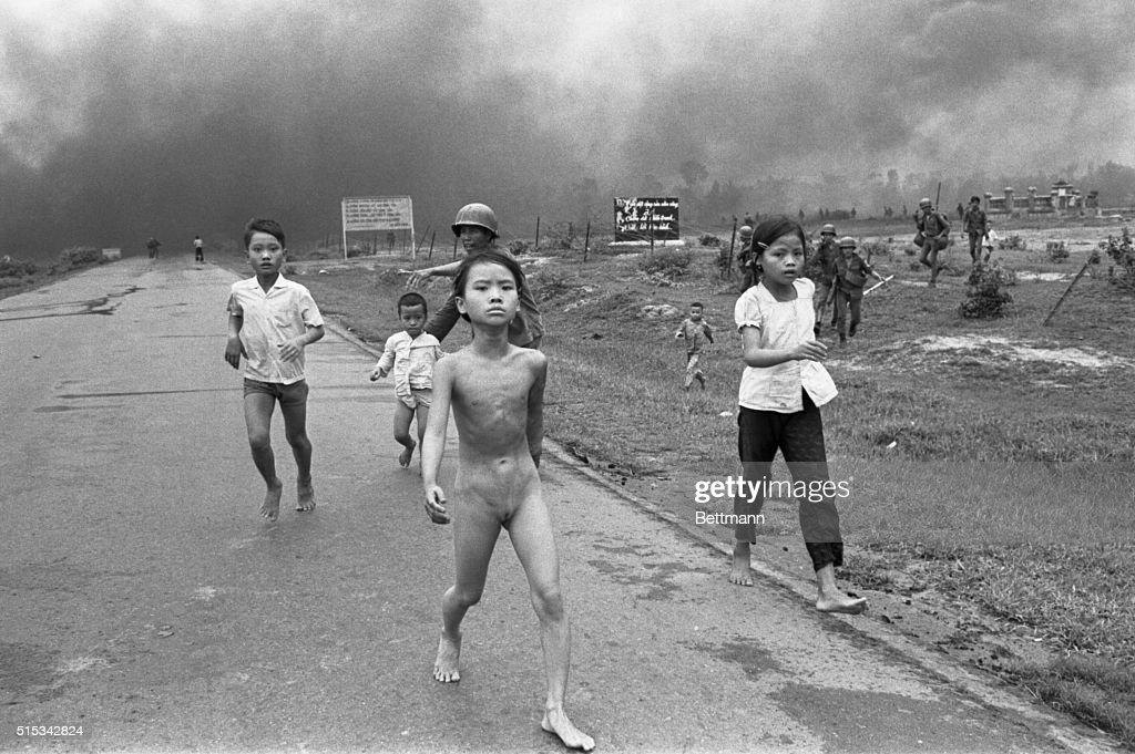 Fleeing Trang Bang : News Photo