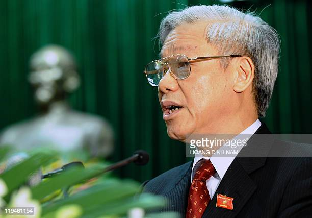 Vietnamese Communist Party Secretary General and Chairman of the outgoing national assembly Nguyen Phu Trong addresses the first session of the newly...