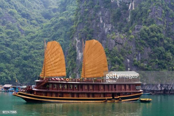 Vietnamienne Junk une croisière sur la baie d'Halong, Hanoï, Vietnam