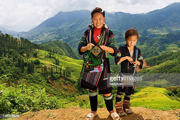 vietnamese minority people - woman from black hmong hill tribe - sapa stock pictures, royalty-free photos & images