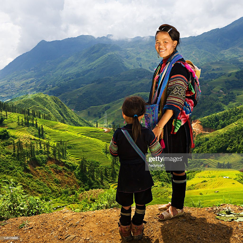 Vietnamese minority people - woman from Black Hmong Hill Tribe : Bildbanksbilder