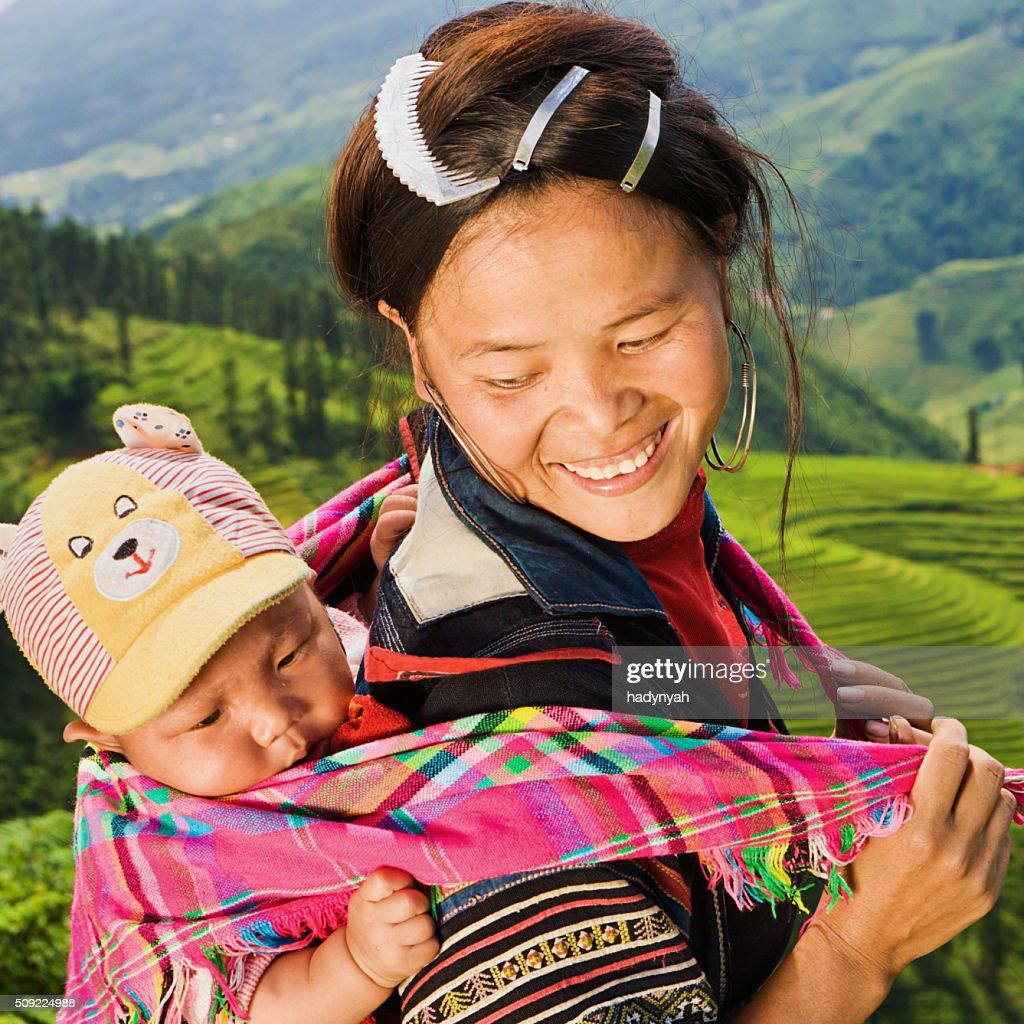 Cuisine Vietnamienne: Cuisine Vietnamienne Minorité Personnesfemme En Noir Hmong