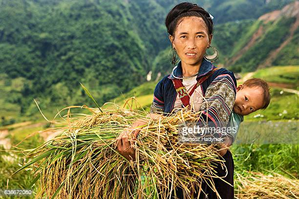 vietnamese minority people - woman from black hmong hill tribe - traditionally vietnamese stock pictures, royalty-free photos & images