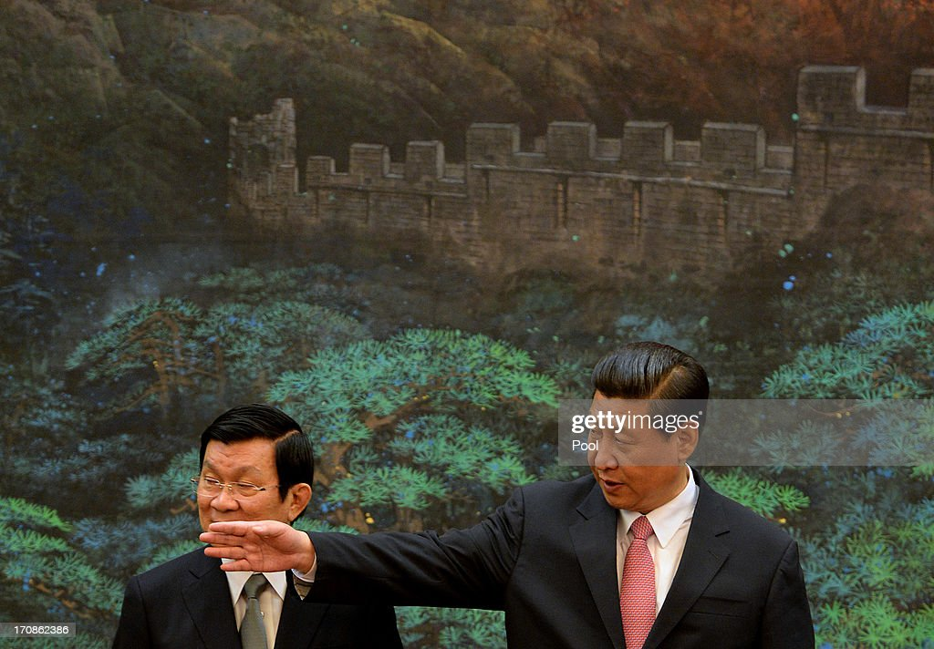Vietnamese President Truong Tan Sang (L) and Chinese President Xi Jinping meet during a signing ceremony at the Great Hall of the People on June 19, 2013 in Beijing, China. The Vietnamese President is on a two-day visit to China to meet with Xi Jinping and Premier Li Keqiang.