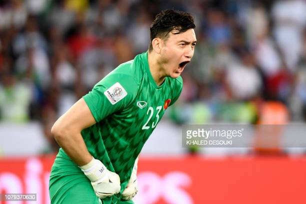 Vietnam's goalkeeper Van Lam Dang reacts during the 2019 AFC Asian Cup group D football match between Iraq and Vietnam at Zayed Sports City stadium...