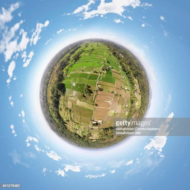 360° view above the rice paddies in bali, indonesia - formato de pequeno planeta - fotografias e filmes do acervo