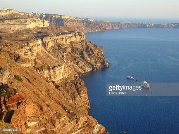 view across collapsed caldera on santorini - frans sellies stock pictures, royalty-free photos & images