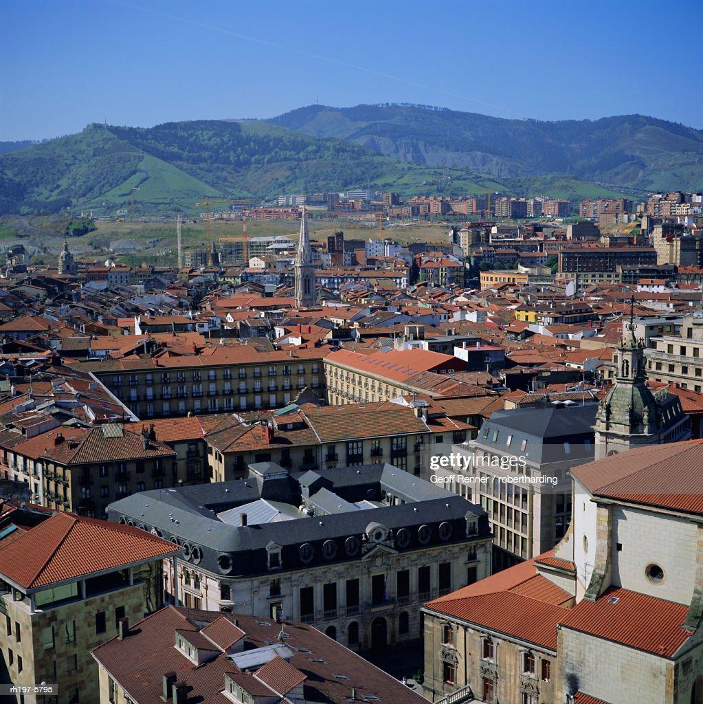 View across old town, Bilbao, capital of the Basque province of Vizcaya (Pais Vasco), Spain, Europe : Foto de stock