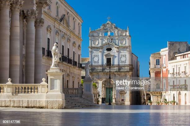 View across Piazza del Duomo to the Church of Santa Lucia alla Badia, Ortygia, Syracuse, Sicily, Italy
