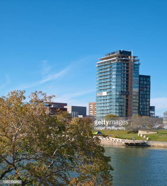 view across south saskatchewan river in saskatoon saskatchewan - south saskatchewan river stock photos and pictures