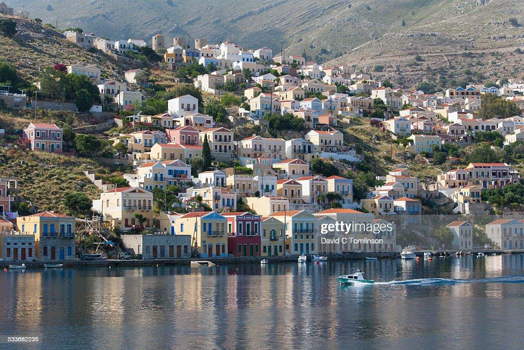 View across the harbour, Gialos, Symi, Greece : Foto stock