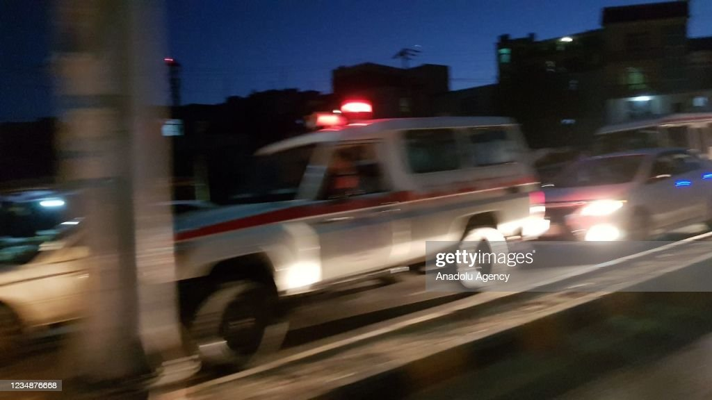 Explosions occur outside of Kabul airport, casualties unclear : ニュース写真