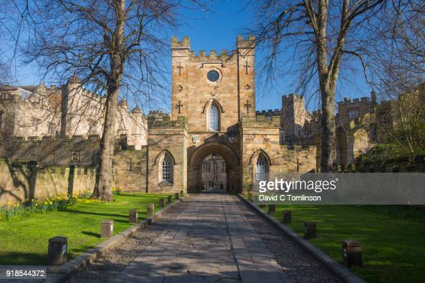 view along drive to the gatehouse of durham castle, durham, county durham, england, uk - castle stock pictures, royalty-free photos & images