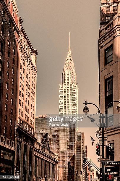a view down e 42nd street - madison avenue stock pictures, royalty-free photos & images