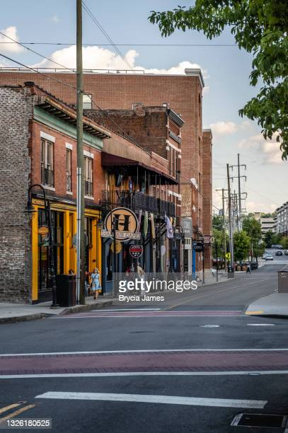 view down north central street in knoxville - brycia james stock pictures, royalty-free photos & images
