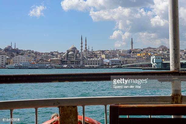 """からのフェリーは、ボスポラス海峡は、イスタンブールで、 - """"sjoerd van der wal"""" ストックフォトと画像"""