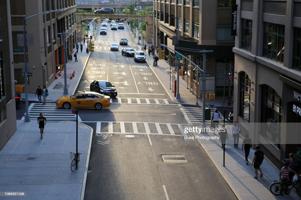 View from above of traffic in streets of Dumbo, Brooklyn, New York City, USA : Stock Photo