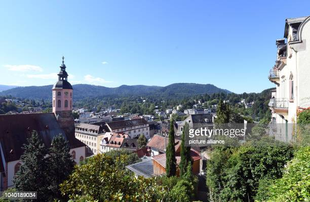 View from an overlook onto Baden-Baden, Germany, 7 August 2016. PHOTO: ULI DECK/dpa | usage worldwide