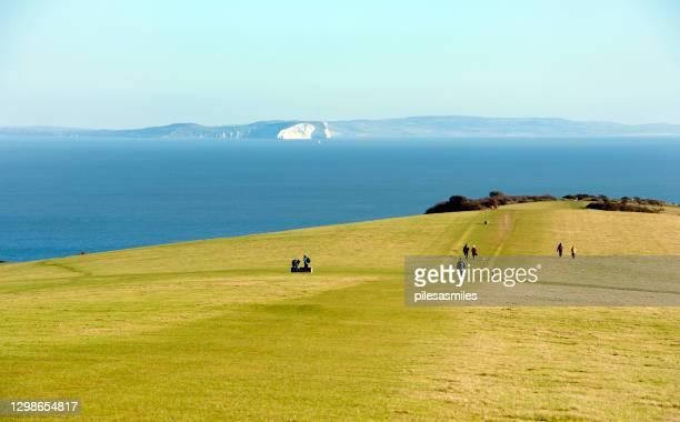 バリード・ダウンからワイト島、パーベック島、イギリスへの眺め - プール湾 ストックフォトと画像