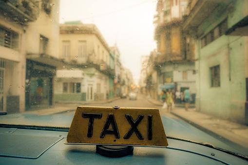 View from behind of taxi window, Havana, Cuba - gettyimageskorea