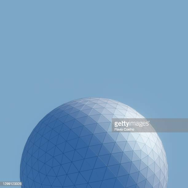 view from below of a large geodesic dome 3d model on blue background - 建築模型 ストックフォトと画像