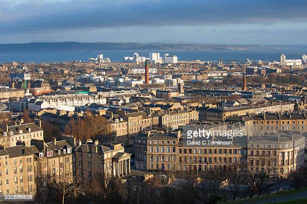 view from calton hill, edinburgh, scotland - カールトンヒル ストックフォトと画像