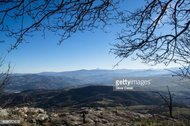 view from italian appenins - silvia casali stock pictures, royalty-free photos & images