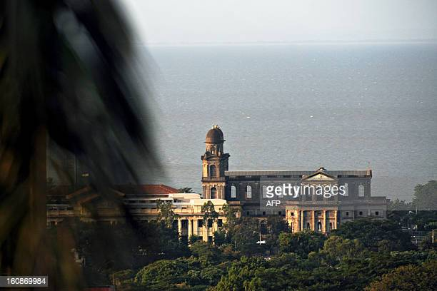 View from Loma Tiscapa of the old cathedral of Managua next to the Managua Lake on October 17 2009 AFP PHOTO/ Elmer MARTINEZ / AFP PHOTO / ELMER...