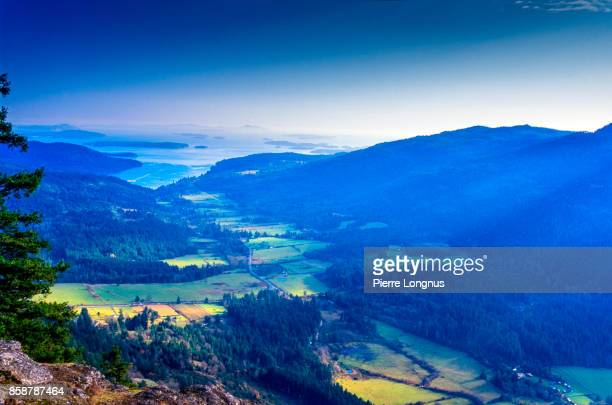 view from mount maxwell - salt spring island, british columbia gulf islands, canada - clear sky stock pictures, royalty-free photos & images