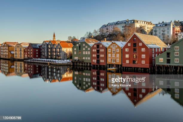 view from old town bridge trondheim - トロンハイム ストックフォトと画像