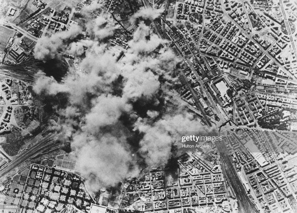 US Air Raid On Rome : News Photo