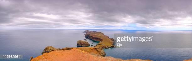 """view from ponta do furado on ilheu da cevada at the ponta de são lourenço peninsula at madeira island - """"sjoerd van der wal"""" or """"sjo"""" - fotografias e filmes do acervo"""